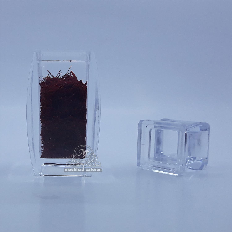 زعفران سرگل ممتاز ۱ مثقالی در ظرف کریستال